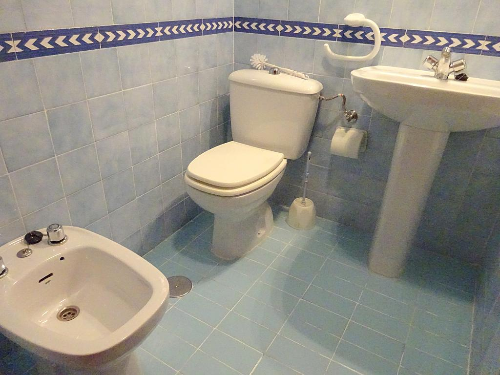 Piso en alquiler en calle Altamira, Entrepuentes en Sevilla - 167495036