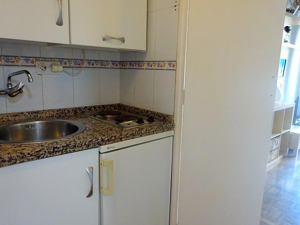 Cocina - Estudio en alquiler en calle Salado, Triana en Sevilla - 168025926
