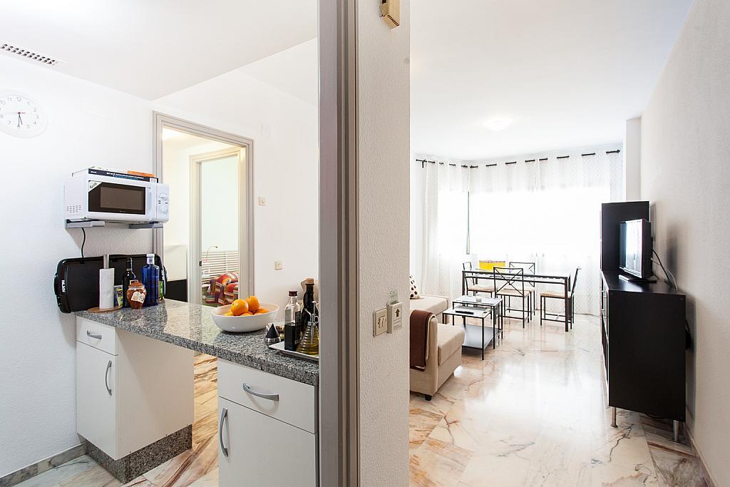 Salón - Apartamento en alquiler en calle Alcalde Luis Uruñuela, Este - Alcosa - Torreblanca en Sevilla - 168730030