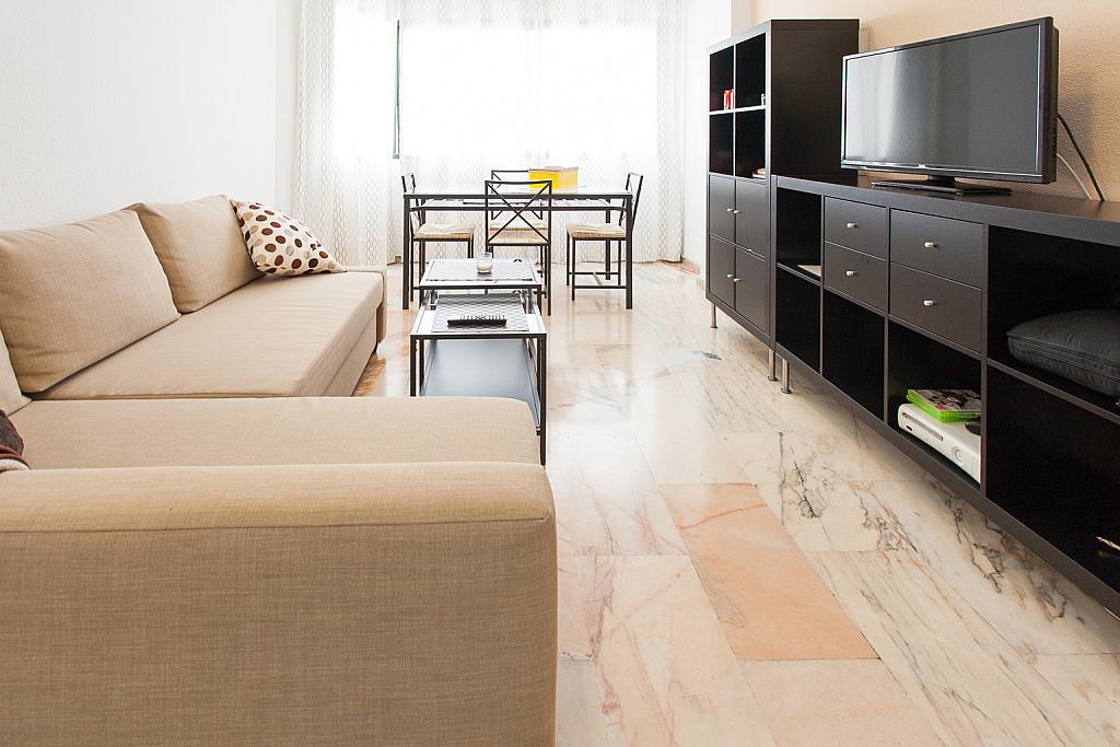 Salón - Apartamento en alquiler en calle Alcalde Luis Uruñuela, Este - Alcosa - Torreblanca en Sevilla - 168730147