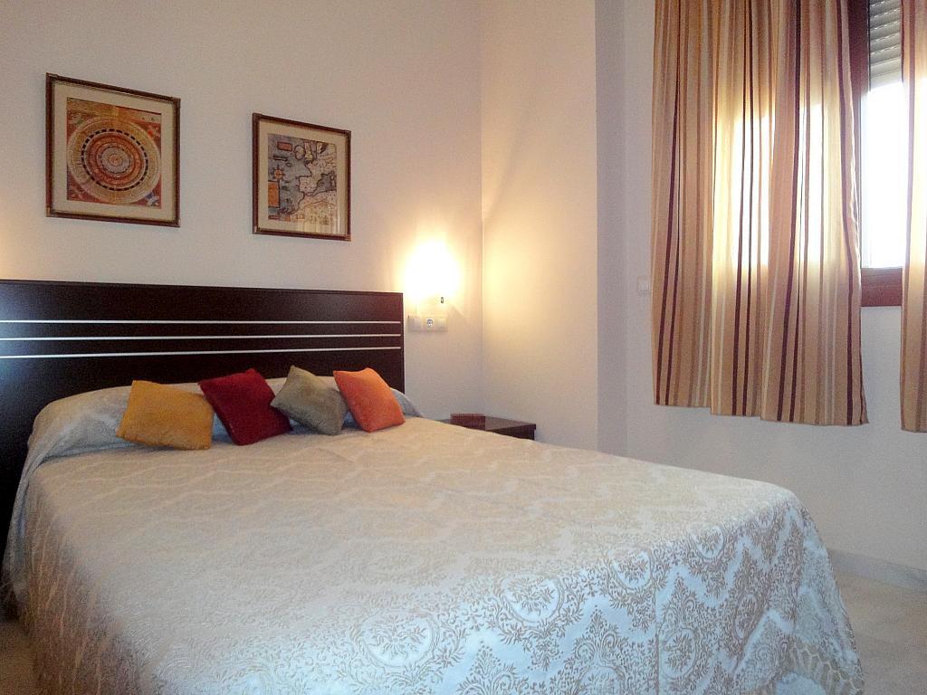 Dormitorio - Piso en alquiler en calle Alcalde Luis Uruñuela, Este - Alcosa - Torreblanca en Sevilla - 172665720