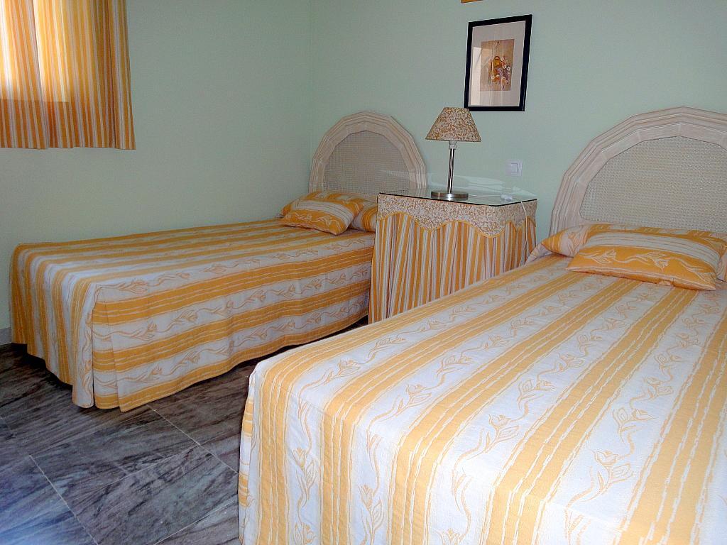 Dormitorio - Piso en alquiler en calle Alcalde Luis Uruñuela, Este - Alcosa - Torreblanca en Sevilla - 174011802