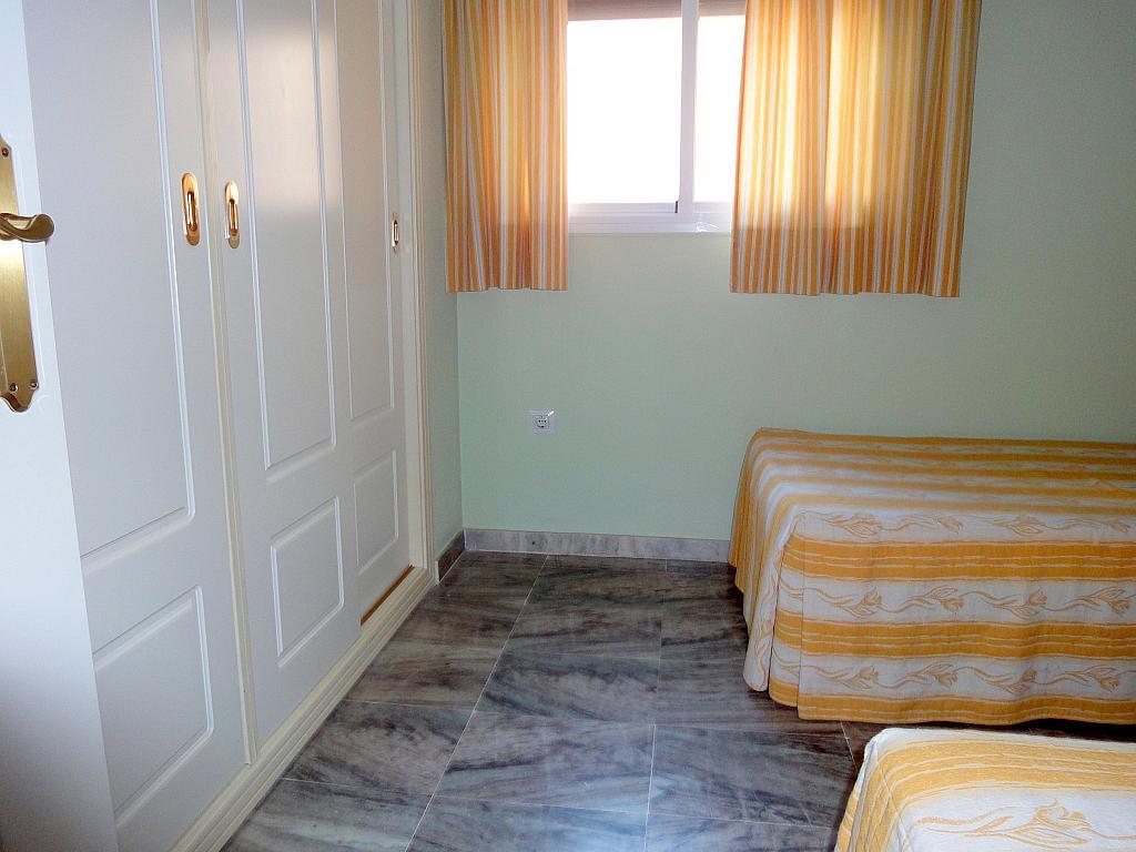 Dormitorio - Piso en alquiler en calle Alcalde Luis Uruñuela, Este - Alcosa - Torreblanca en Sevilla - 174011825