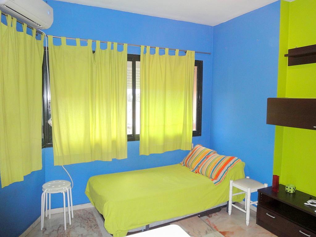 Dormitorio - Estudio en alquiler en calle Alcalde Luis Uruñuela, Entrepuentes en Sevilla - 179134474