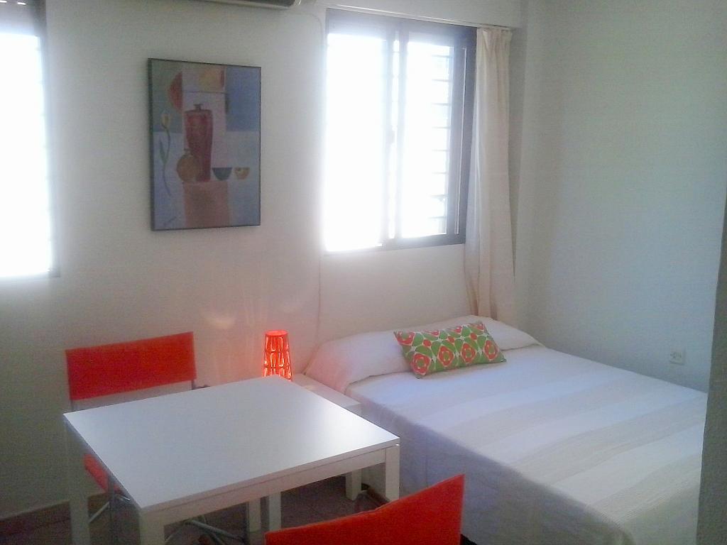 Dormitorio - Estudio en alquiler en calle Cardenal Ilundain, El Porvenir en Sevilla - 179172940