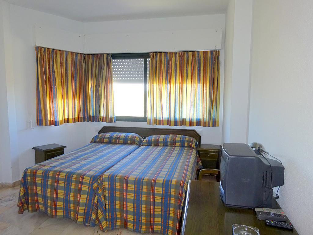 Dormitorio - Estudio en alquiler en calle Alcalde Luis Uruñuela, Este - Alcosa - Torreblanca en Sevilla - 185092713