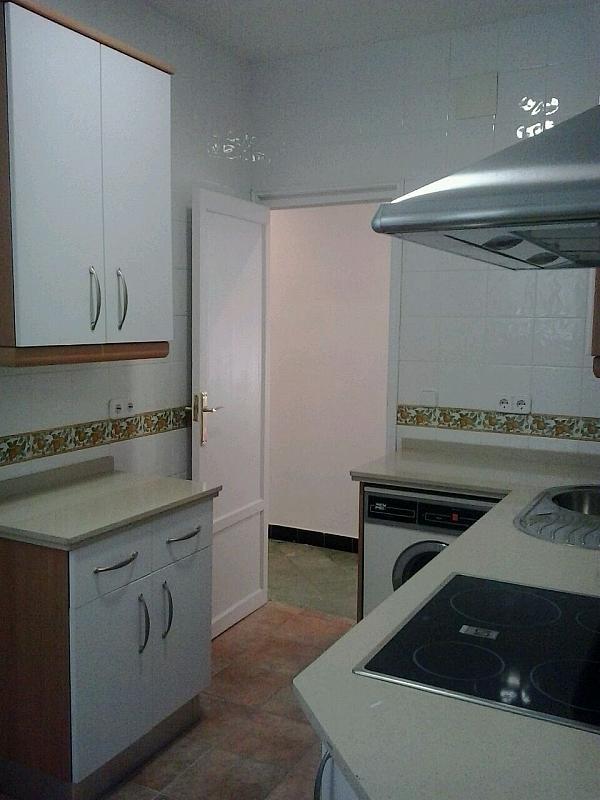 Cocina - Piso en alquiler en calle Eduardo Dato, Nervión en Sevilla - 183742878