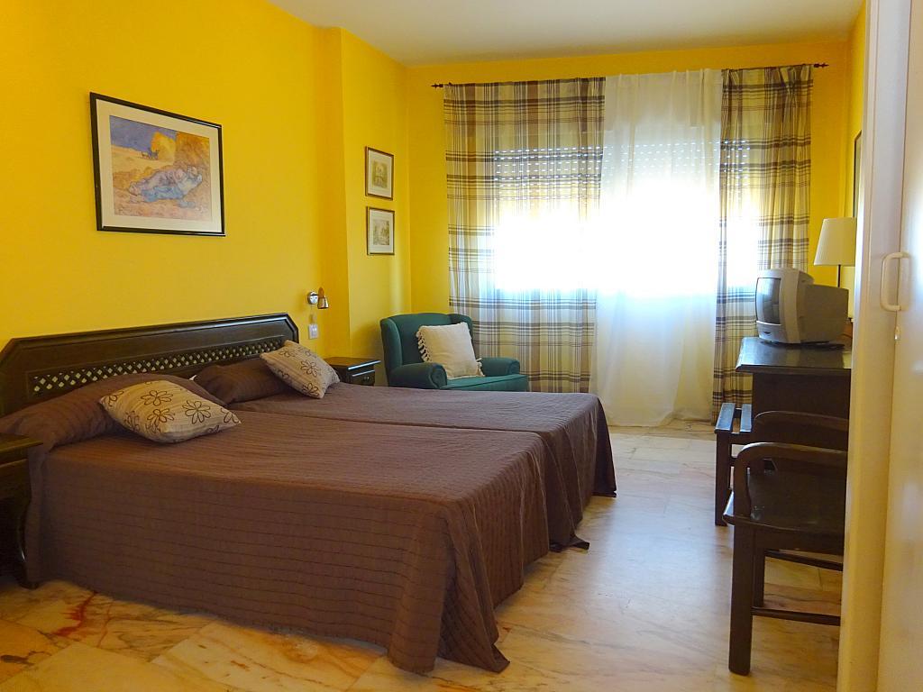 Dormitorio - Estudio en alquiler en calle Alcalde Luis Uruñuela, Este - Alcosa - Torreblanca en Sevilla - 185095491