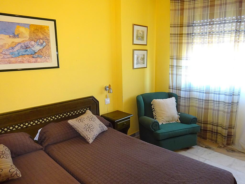 Dormitorio - Estudio en alquiler en calle Alcalde Luis Uruñuela, Este - Alcosa - Torreblanca en Sevilla - 185095507
