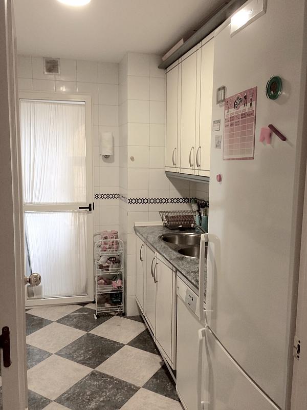 Cocina - Piso en alquiler en calle Cueva de la Pileta, Este - Alcosa - Torreblanca en Sevilla - 185334615