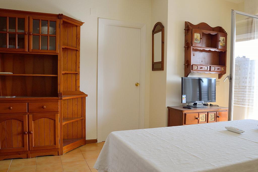 Salón - Apartamento en alquiler en calle Luis Montoto, San Pablo-Santa Justa en Sevilla - 185346390