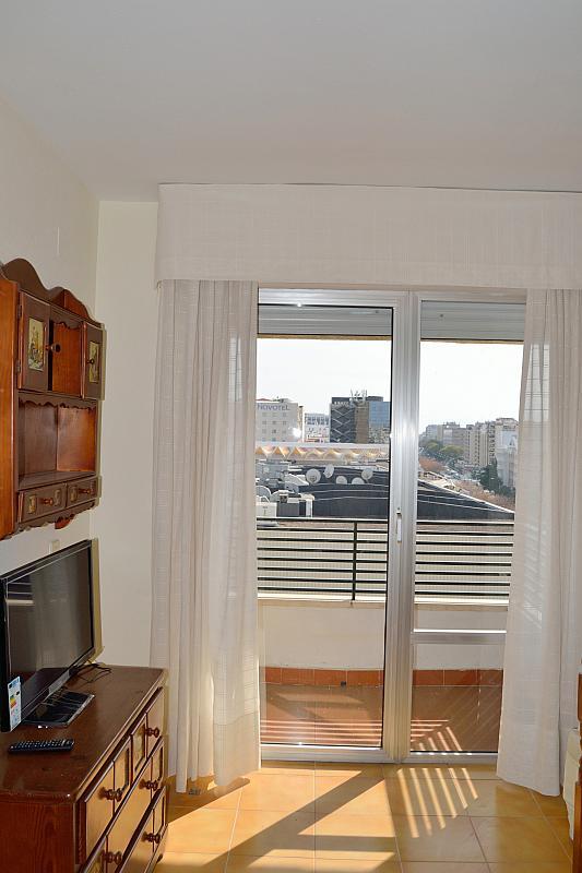 Salón - Apartamento en alquiler en calle Luis Montoto, San Pablo-Santa Justa en Sevilla - 185346679