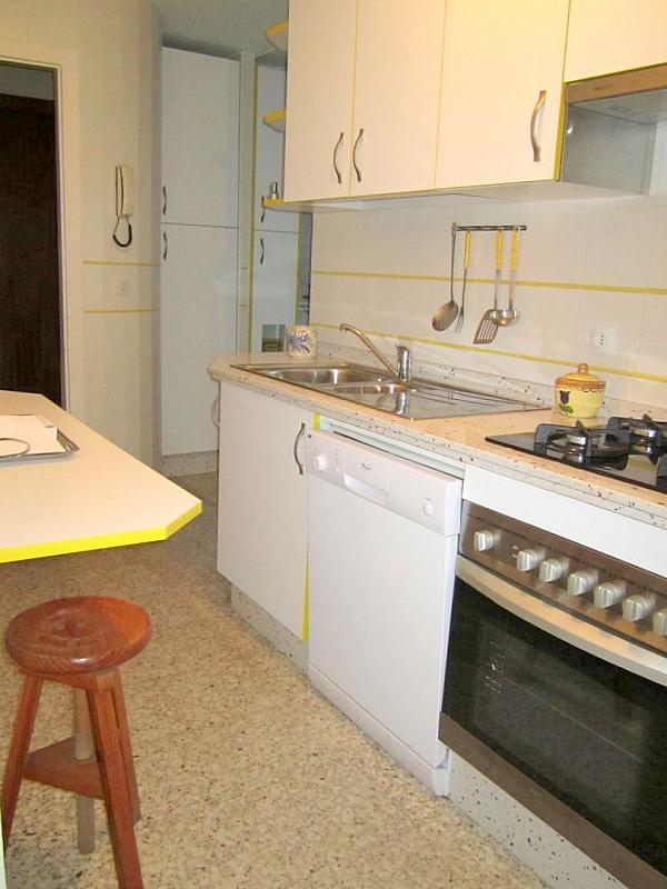 Cocina - Piso en alquiler en calle Ramon y Cajal, Nervión en Sevilla - 191098858