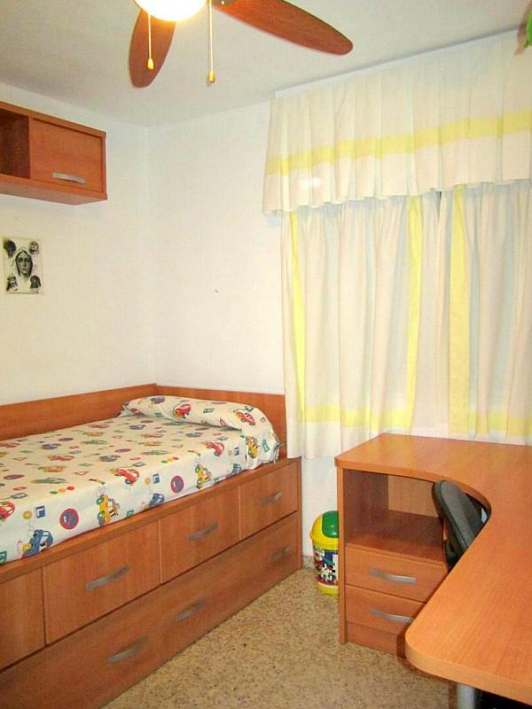 Dormitorio - Piso en alquiler en calle Ramon y Cajal, Nervión en Sevilla - 191098883