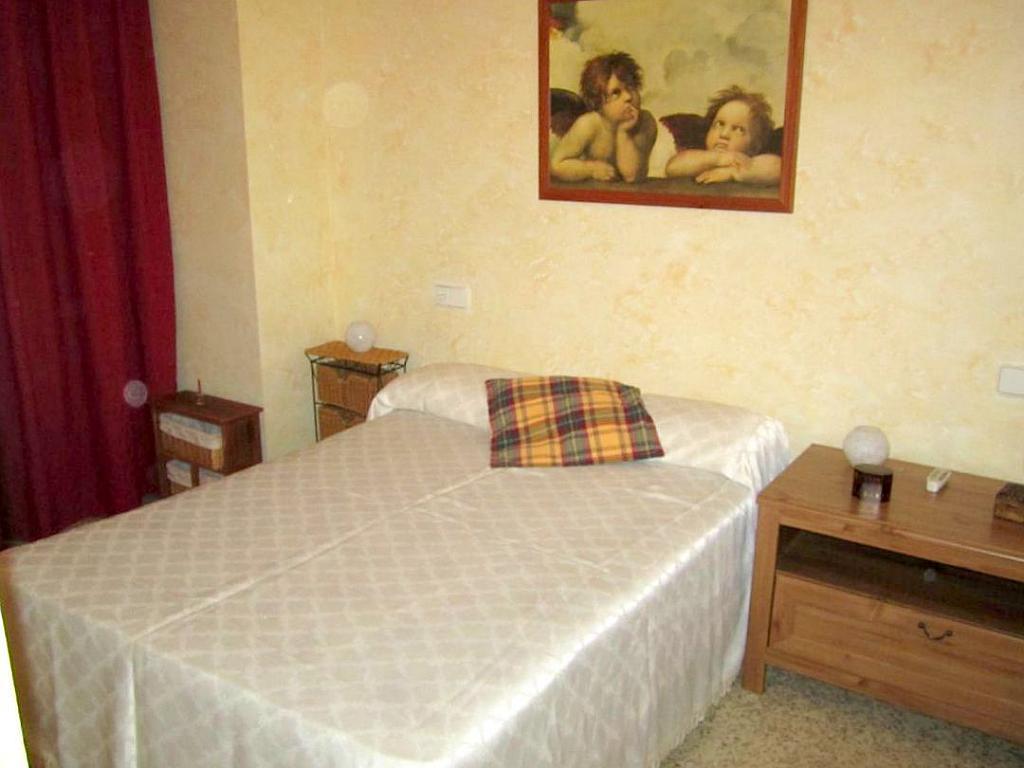 Dormitorio - Piso en alquiler en calle Ramon y Cajal, Nervión en Sevilla - 191098890