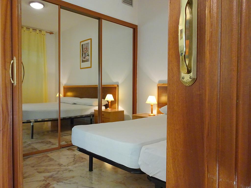 Dormitorio - Apartamento en alquiler en calle Alcalde Luis Uruñuela, Este - Alcosa - Torreblanca en Sevilla - 194795813