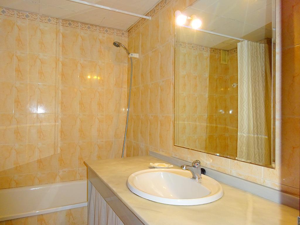 Baño - Apartamento en alquiler en calle Alcalde Luis Uruñuela, Este - Alcosa - Torreblanca en Sevilla - 194796363