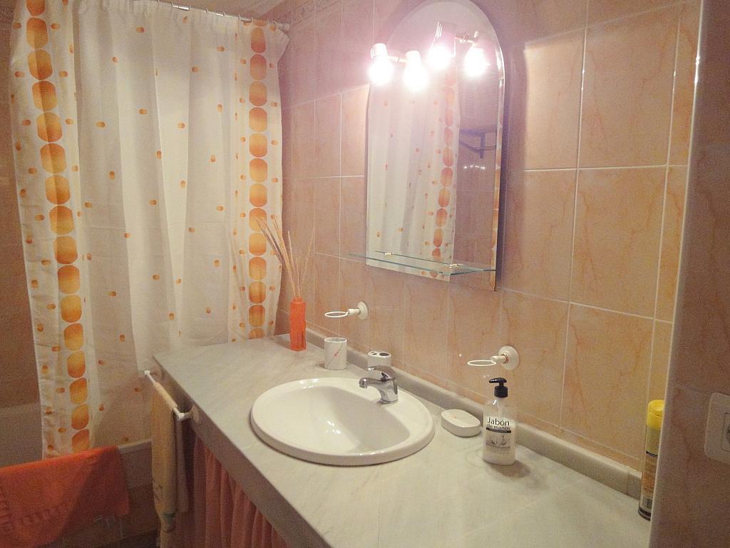 Baño - Apartamento en alquiler en calle Alcalde Luis Uruñuela, Este - Alcosa - Torreblanca en Sevilla - 198598606