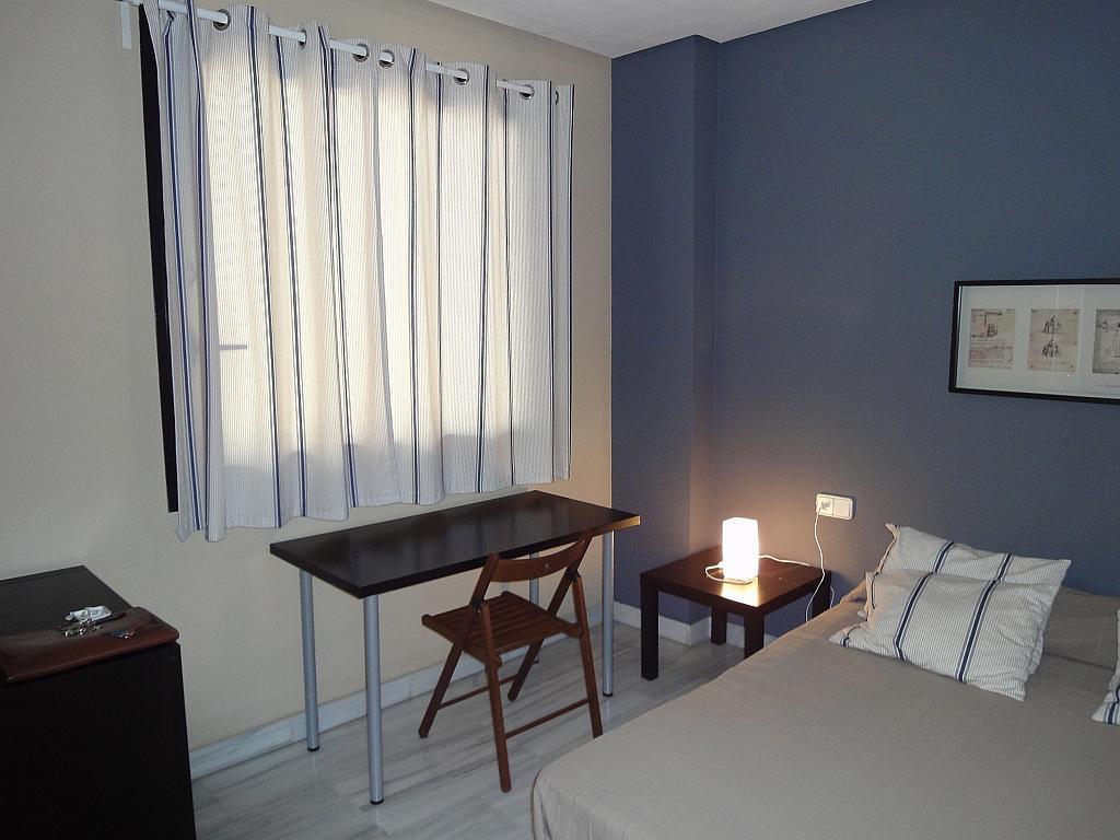 Dormitorio - Apartamento en alquiler en calle Alcalde Luis Uruñuela, Entrepuentes en Sevilla - 201905028