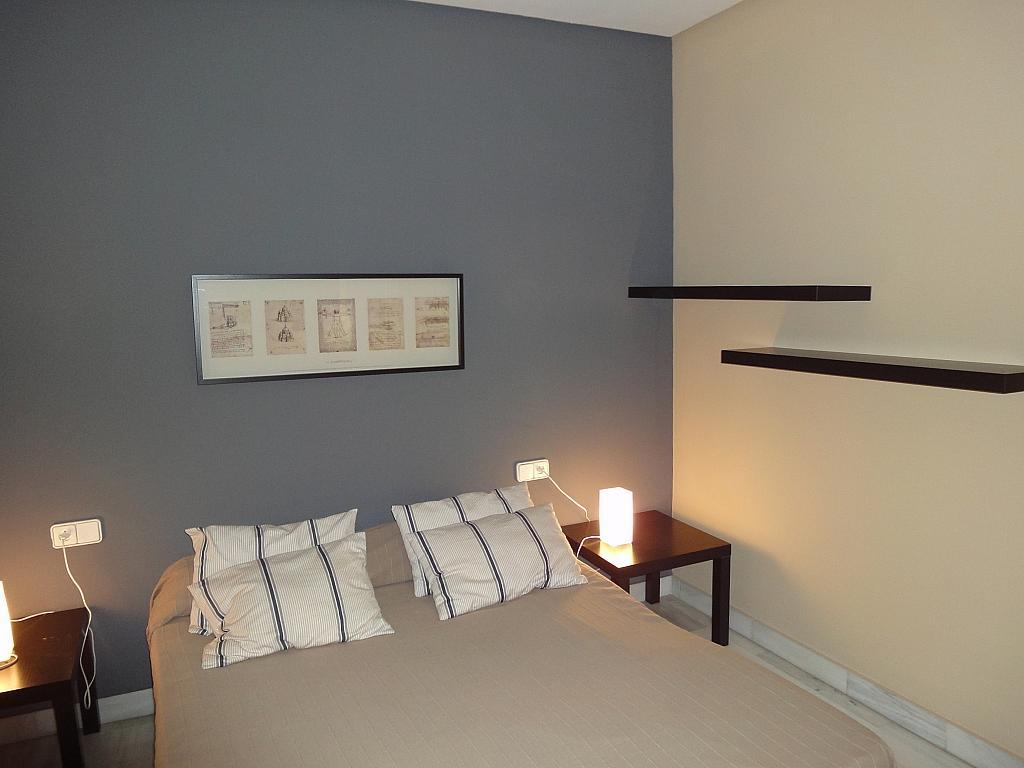 Dormitorio - Apartamento en alquiler en calle Alcalde Luis Uruñuela, Entrepuentes en Sevilla - 201905043
