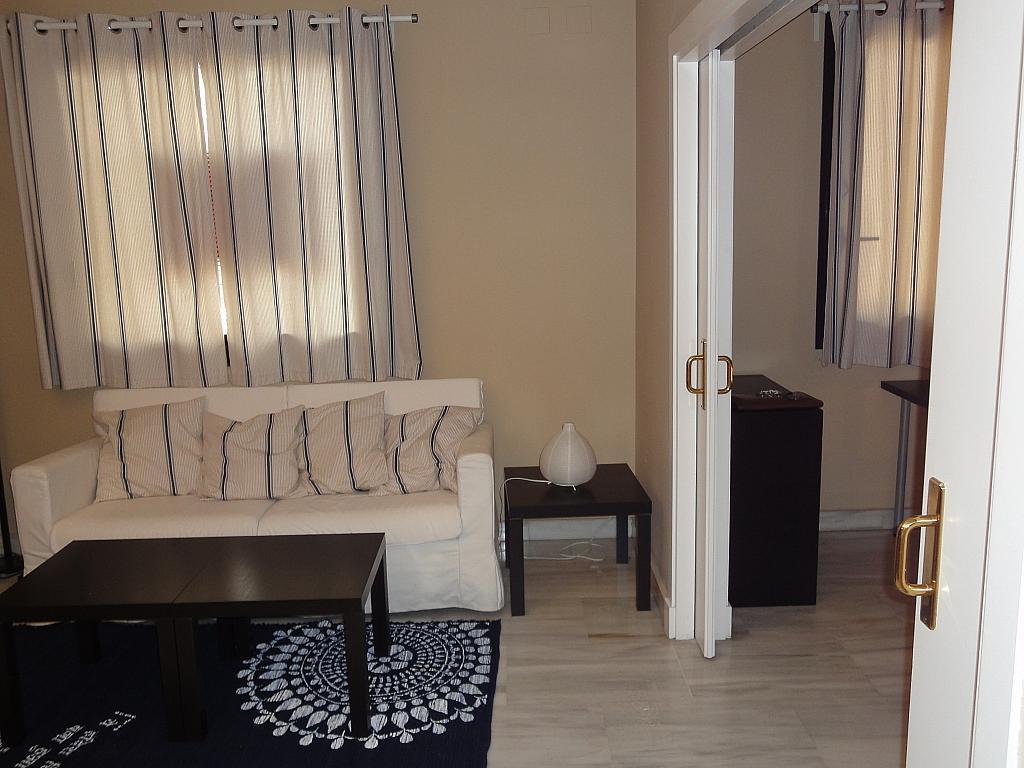 Salón - Apartamento en alquiler en calle Alcalde Luis Uruñuela, Entrepuentes en Sevilla - 201906065