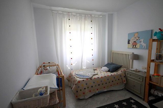 Dormitorio - Piso en alquiler en calle Santo Domingo de la Calzada, Nervión en Sevilla - 203505359