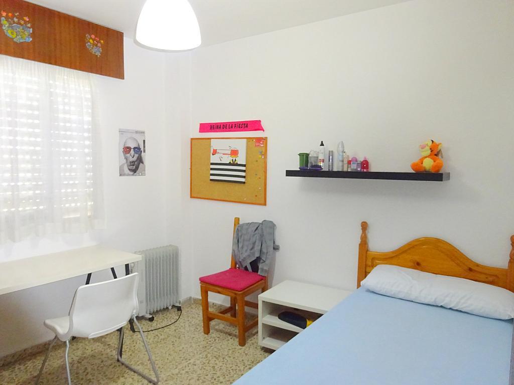 Dormitorio - Piso en alquiler en calle Claudio Guerín, Nervión en Sevilla - 206904351