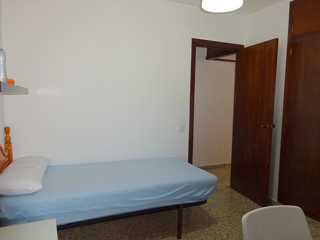 Dormitorio - Piso en alquiler en calle Claudio Guerín, Nervión en Sevilla - 206904366