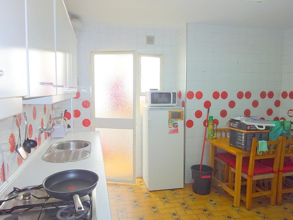 Cocina - Piso en alquiler en calle Claudio Guerín, Nervión en Sevilla - 206904593