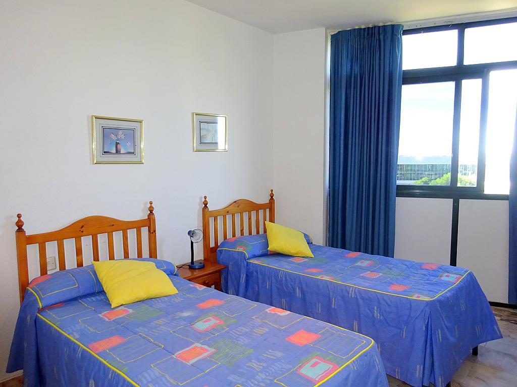 Dormitorio - Estudio en alquiler en calle Alcalde Luis Uruñuela, Entrepuentes en Sevilla - 212389479