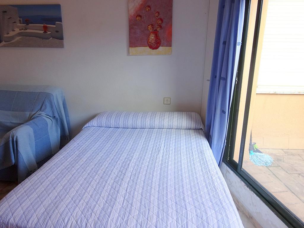 Estudio en alquiler en calle Alcalde Luis Uruñuela, Entrepuentes en Sevilla - 215387888