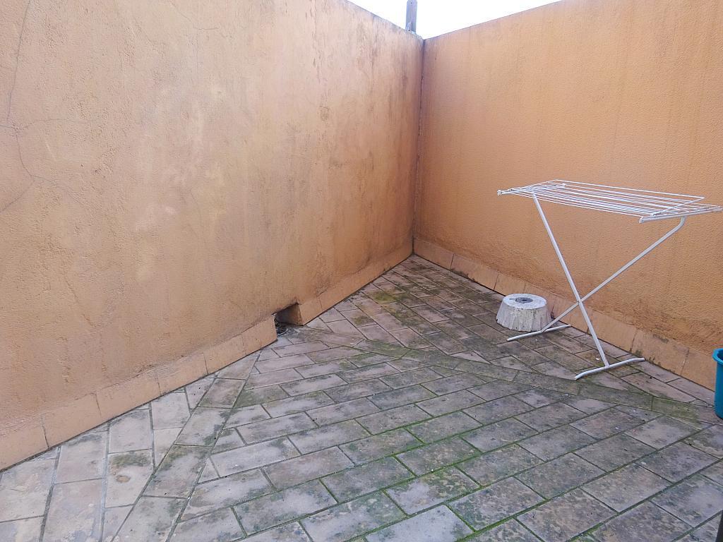 Estudio en alquiler en calle Alcalde Luis Uruñuela, Entrepuentes en Sevilla - 215387930