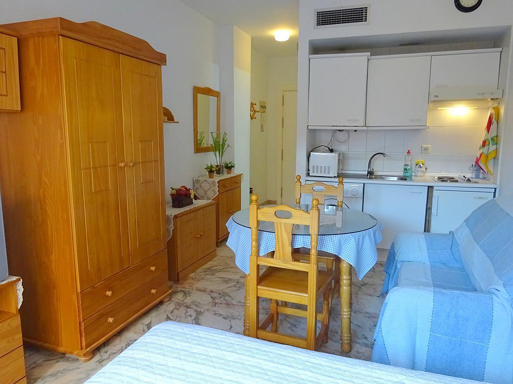 Estudio en alquiler en calle Alcalde Luis Uruñuela, Entrepuentes en Sevilla - 215387947