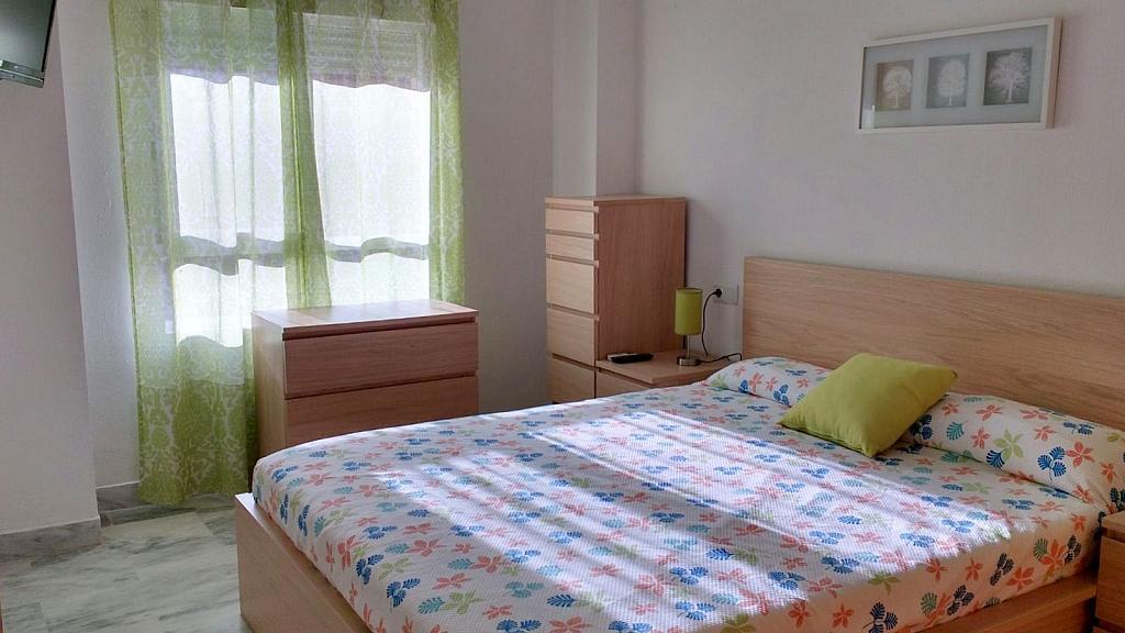 Dormitorio - Piso en alquiler en calle Ciencias, Av. Ciencias-Emilio Lemos en Sevilla - 232173126