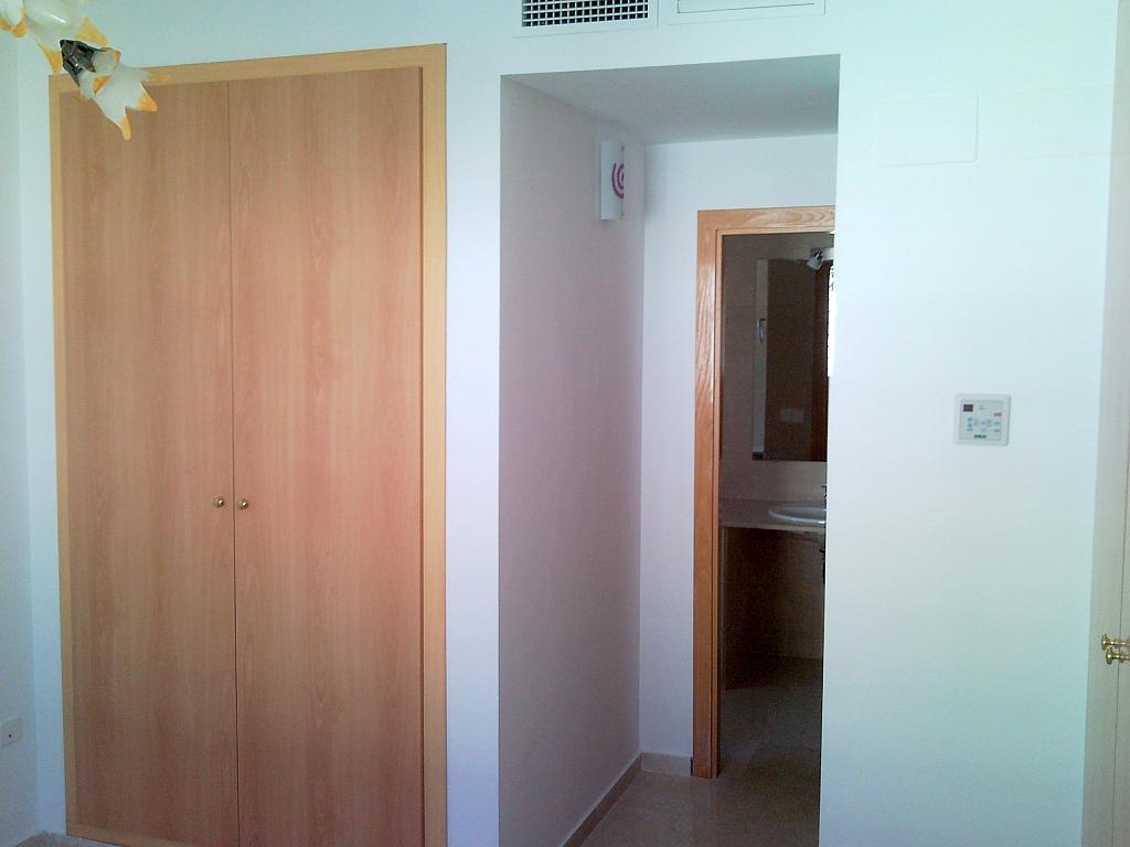 Dormitorio - Casa pareada en alquiler en calle Atenea, Av. Ciencias-Emilio Lemos en Sevilla - 239793250