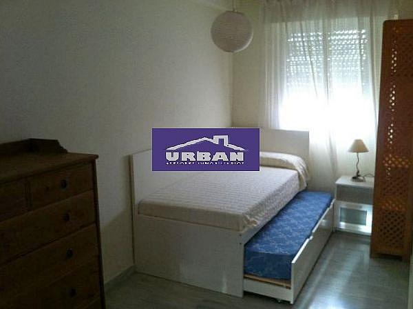 Dormitorio - Piso en alquiler en calle Alcalde Luis Uruñuela, Entrepuentes en Sevilla - 243320090
