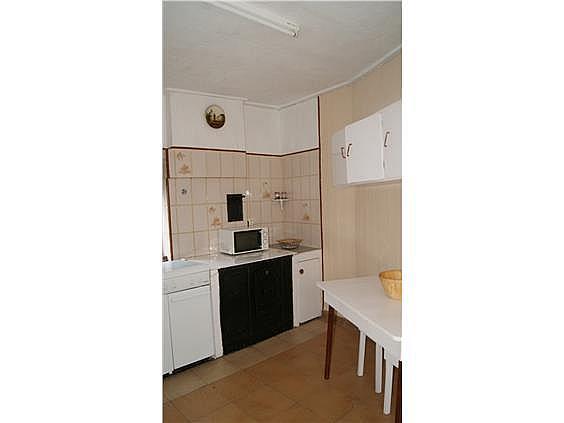 Casa adosada en alquiler en Valdés - 319045662
