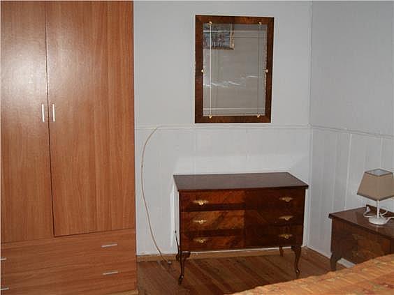 Casa adosada en alquiler en Valdés - 319045689
