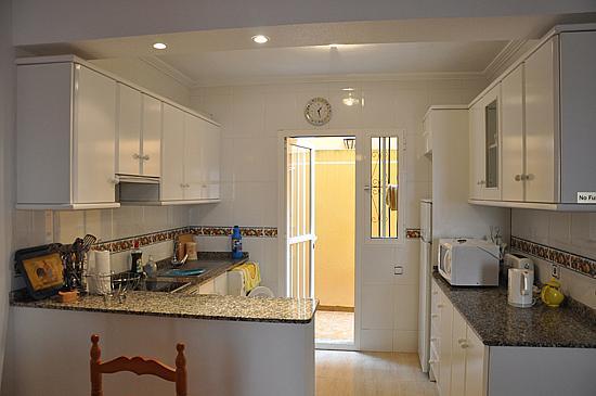Casa adosada en alquiler de temporada en calle Tierra, Orihuela-Costa - 316743956