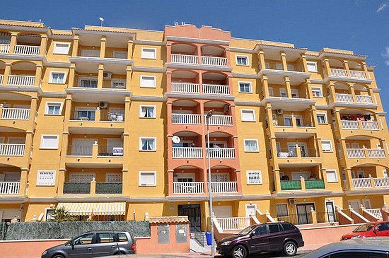 Piso en alquiler en calle Perseo, Nueva Torrevieja - Aguas Nuevas en Torrevieja - 325255206