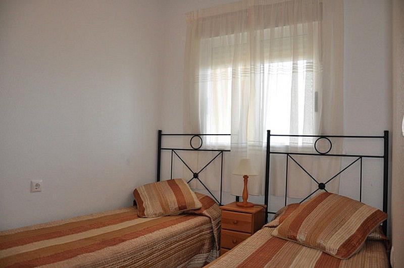 Piso en alquiler en calle Perseo, Nueva Torrevieja - Aguas Nuevas en Torrevieja - 325255335