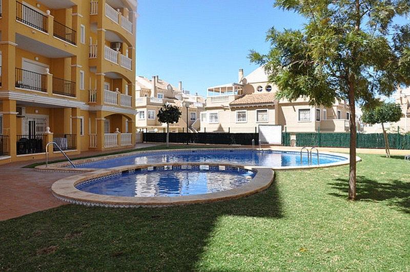Piso en alquiler en calle Perseo, Nueva Torrevieja - Aguas Nuevas en Torrevieja - 325255470