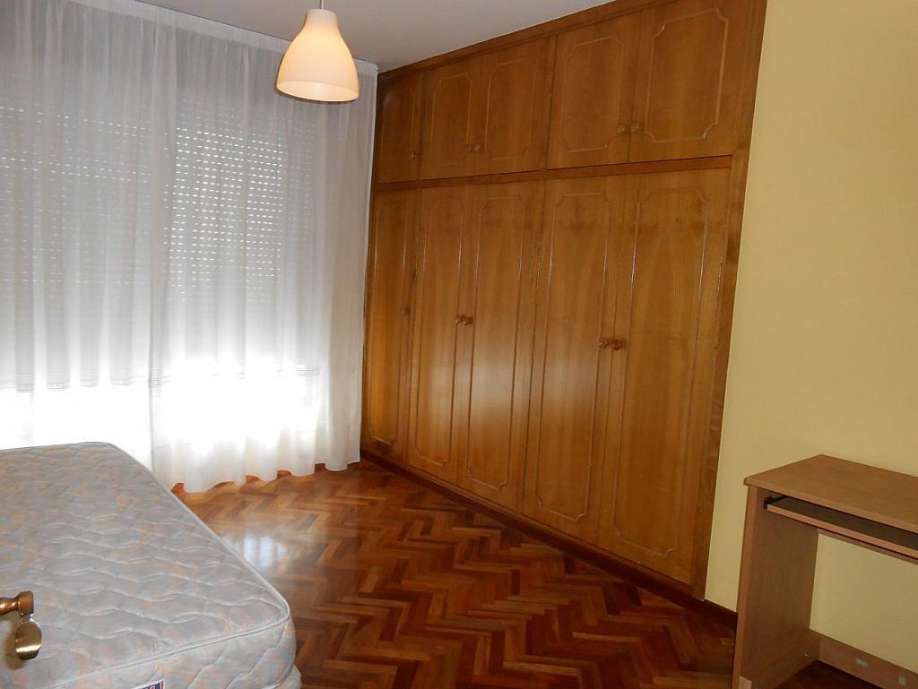 Foto - Piso en alquiler en calle San Vicente, Os Mallos-San Cristóbal en Coruña (A) - 319073858