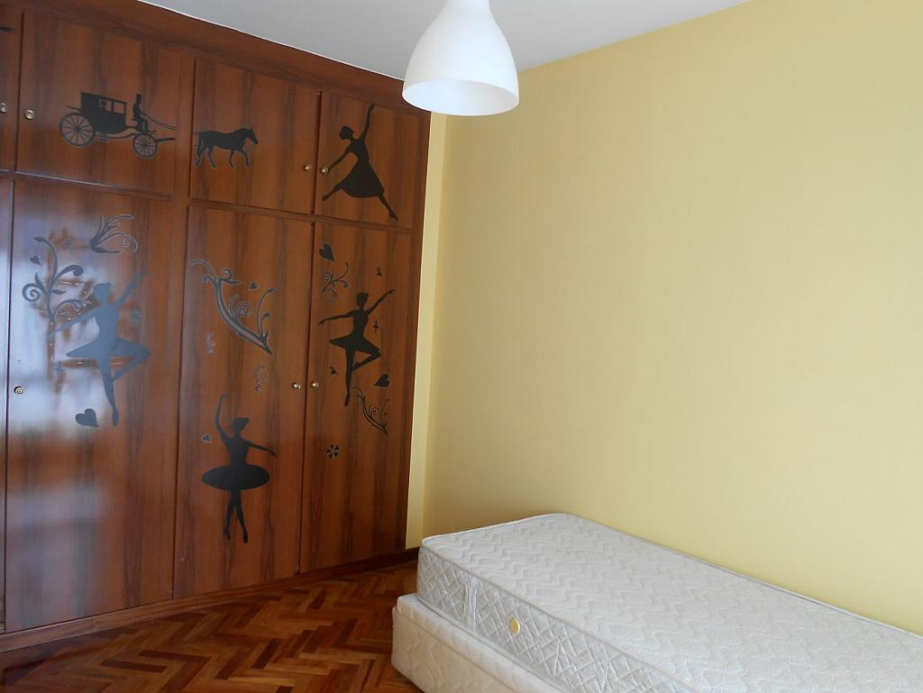 Foto - Piso en alquiler en calle San Vicente, Os Mallos-San Cristóbal en Coruña (A) - 319073873