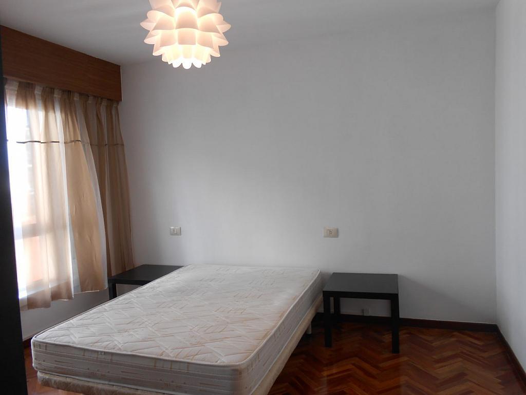 Foto - Piso en alquiler en calle San Vicente, Os Mallos-San Cristóbal en Coruña (A) - 319073882