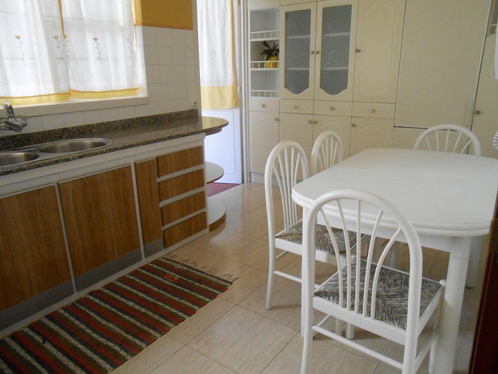 Foto - Piso en alquiler en calle San Vicente, Os Mallos-San Cristóbal en Coruña (A) - 319073918