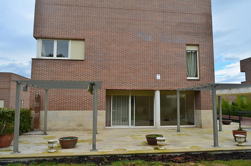 Fachada - Casa en alquiler en calle Aldabarren, Gorraiz - 253537559