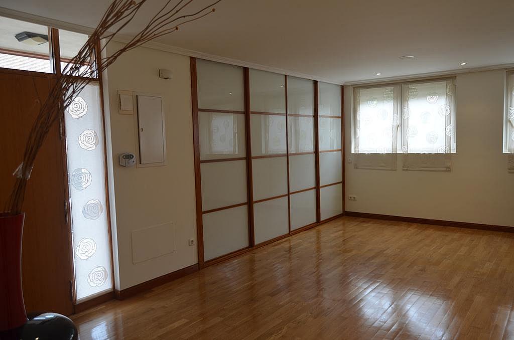 Pasillo - Casa en alquiler en calle Aldabarren, Gorraiz - 253537561