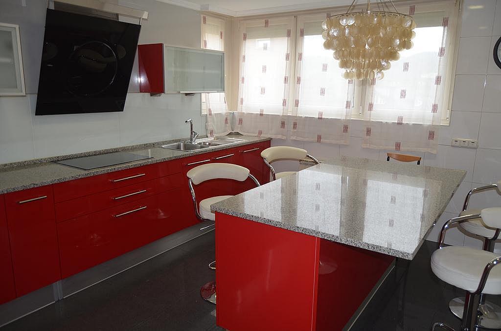 Cocina - Casa en alquiler en calle Aldabarren, Gorraiz - 253537566
