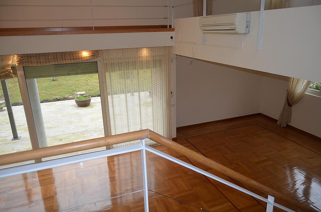 Salón - Casa en alquiler en calle Aldabarren, Gorraiz - 253537574